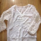 Очень красивые две блузки одним лотом. Размер S-M