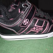 Крутые, модные кроссовки с роликами Heely's! Светятся! 21,5см, сост.отличное