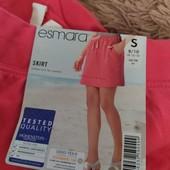 ЦЦ132..Чудова трикотаж на юбка Esmars