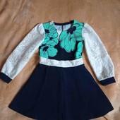 Красивое платье на девочку 3-4годика.