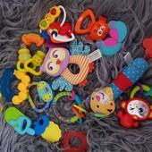 Набор игрушек для самых мальньких