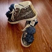 Чудесные ботинки Zara