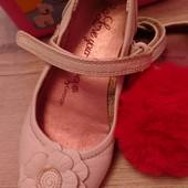 Нарядные туфельки 29р 19 см