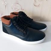 Мужские ботинки,,удобные,практичные,на ноге смотрятся супер, размер 40,41,43,44,45