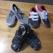 Взуття на хлопчика.