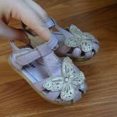 Сандалии босоножки с бабочкой глитером кожаные 22-23-24 размер