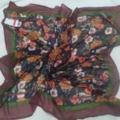 Тончайший мягусенький стильный платок 102х102 см., цветочный принт принт,