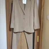 Брючный костюм женский UK16 сток