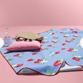 Идеальный коврик для пикника с ярким фруктовым принтом от Tcm Tchibo, Германия! 180*180см, нюанс