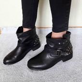 ботинки як нові. 40/26 см.