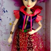 Красивая.симпатичная , шикарная.шарнирная кукла 30см (Наследники Диснея)с аксесуар