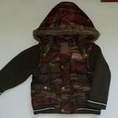 Демисезонная куртка фирмы Next для мальчика.