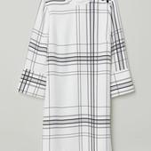 Платье с воротником стойкой H&M