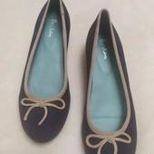 Шикарные туфли балетки на танкетке из натурального замша Boden