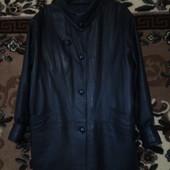 женская коженая куртка без дифектов размер XL