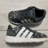 Отличные кроссовки Adidas оригинал 24 размер стелька 15 см