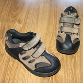 ботинки/кроссовки на осень, отличные, крепкие. смотрим фото! качество супер