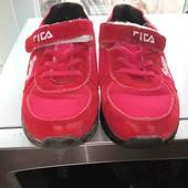 отличные кроссовки для ребенка