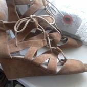 Туфли-босоножки Dunnes состояние отличное