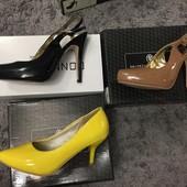 Новые туфли-босоножки из лаковой эко кожи, одни на выбор, размер 37