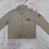 Легкая курточка мальчику р 110