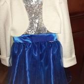 Нарядное платье в отличном состоянии на 5-6,5лет