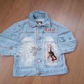 Джинсовая куртка. По бирке 116 см.