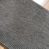 Брендовий коврик у відмінному стані 60*40