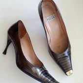 38-39р. Лаковые кожаные туфли Sandro Vicari ,Италия, оригинал
