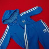 Спортивный костюм Adidas оригинал 3-4 месяца