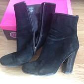 черевики туфлі ботинки