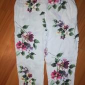 Капри брюки льняные очень красивые.