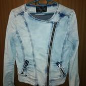 Піджак джинсовий в гарному стані на дівчинку 10-12 років