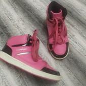 Яркие демисезонные кроссовки ботинки,31 размер, стелька 21 см.