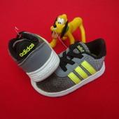 Кроссовки Adidas Light оригинал 20 разм 12 cm