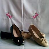 Фірменні .F&F- оригінал туфлі - балетки з позолоченим ободком роз.37- одна пара на вибір.