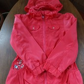 курточка-ветровка в идеальном состоянии