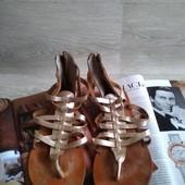 Кожаные босоножки сандалии