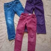 Лот фирменных джинсов на девочку, размер 110.