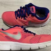 Кроссовки Nike оригинал 37,5 размер стелька 24 см