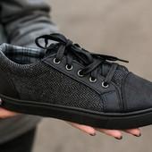 Кеди жіночі текстильні чорні на шнурках