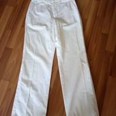 Медичні фірменні білі штани, стан ідеальний, 10% знижка на УП