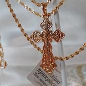 шикарный крестик с распятием, есть надпись Спаси и Сохрани, позолота 585 пробы