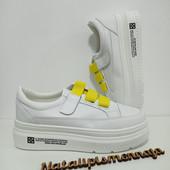 Хит продаж!Стильные и удобные белые кроссовочки!Качество супер!36,38,39,40(маломер)