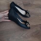 Очень удобные,красивые, летние туфли- босоножки !