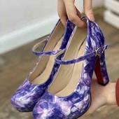Стильные женские туфли на каблуке. цвет фиолетовый.