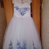 Шикарное дорогое платье на любой праздник.
