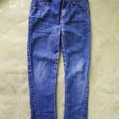 Классные джинсы скинны на мальчика 5-6 лет, состояние хорошее.