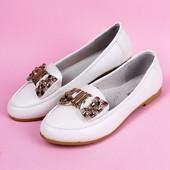 Красивые туфельки для девочек в школу. 35р или 37р.