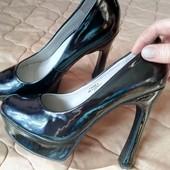 Модельные туфли-лабутены новые